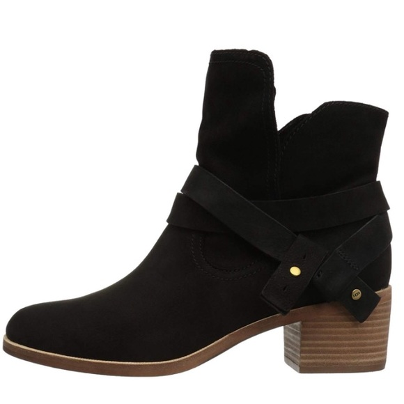 Ugg Australia Black Elora Leather Ankle Boots 6